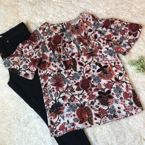 NWT Loft Size Small Ruffled Floral Top